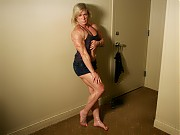 Mature female bodybuilder Clarkflex showing off th...