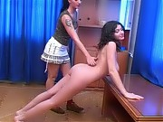 Juggy trainee does nude lesbian exercises
