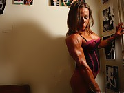 Nora Girones displays her ripped abs and perfect p...
